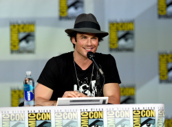 Paul Wesley - Ian Somerhalder,   Nina Dobrev,  Paul Wesley,  Katerina Graham,  Matthew Davis - 'The Vampire Diaries' panel during Comic-Con International 2014 at San Diego Convention Center in San Diego (July 26, 2014) - 101xHQ CczrwScD
