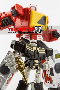 [KFC Toys] Produit Tiers - Jouet Transistor (aka Blaster/Tempo) + DoubleDeck (Twincast) + Fader (aka Eject/Éjecteur) + Rover (aka Autoscout) - Page 2 RSuDrJkx