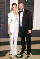 """Leslie Mann """"2015 Vanity Fair Oscar Party hosted by Graydon Carter at Wallis Annenberg Center for the Performing Arts in Beverly Hills"""" (22.02.2015) 126x  L59n4zsC"""
