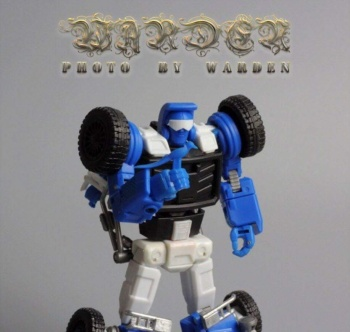 [X-Transbots] Produit Tiers - Minibots MP - Gamme MM - Page 3 O428rElX