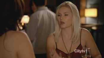 Elisha Cuthbert - Happy Endings S01 E05 (2011) Clevage | HD 720p