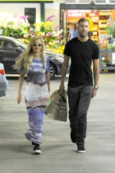 Calvin Harris and Rita Ora - out in New York - June 20, 2013 - 24xHQ VnRRxFIH