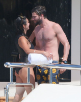 Nina Dobrev and Asustin Stowell enjoy the ocean off the cost the French Riviera (July 26) X6exxtGX
