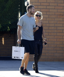 Calvin Harris and Rita Ora - out and about in Los Angeles - September 18, 2013 - 16xHQ ZVHwbqI4