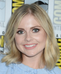 Rose McIver -              ''iZombie'' Presentation Comic-Con San Diego July 21st 2017.