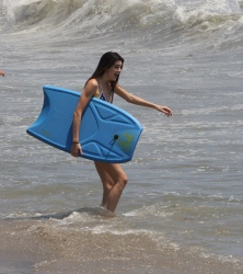 Kendall Jenner in a bikini in Malibu – July 4, 2013 – 18 HQ + 3