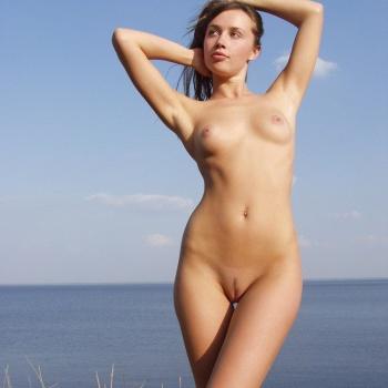 fully-naked-girlds