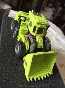 [Generation Toy] Produit Tiers - Jouet GT-01 Gravity Builder - aka Devastator/Dévastateur - Page 2 YFo9C8dP