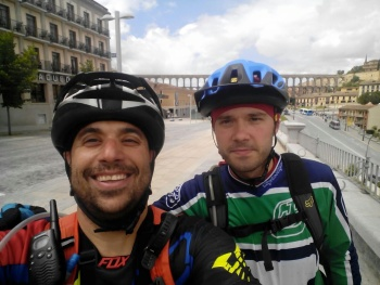 14/06/2015 - Cercedilla a Segovia por el Río Eresma - 7:15 Pedaleando. KCrtt1cD