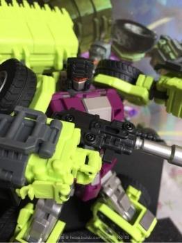 [Generation Toy] Produit Tiers - Jouet GT-01 Gravity Builder - aka Devastator/Dévastateur - Page 2 MN4E30mI