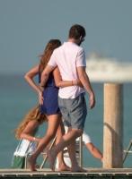 Nina Dobrev with her boyfriend Austin Stowell in Saint-Tropez (July 24) EnOc0mIa