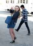 Джуно Темпл, фото 14. Juno Temple 2012-07-27 - On Set of Truck Stop in Palmdale, foto 14