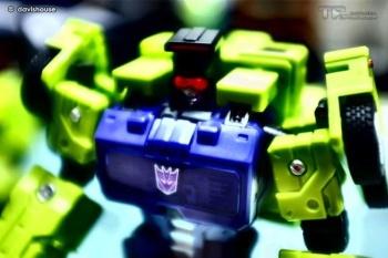[Toyworld] Produit Tiers - Jouet TW-C Constructor aka Devastator/Dévastateur (Version vert G1 et jaune G2) - Page 7 Cd63qFDq