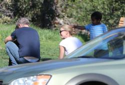 Sean Penn - Sean Penn and Charlize Theron - enjoy a day the park in Studio City, California with Charlize's son Jackson on February 8, 2015 (28xHQ) MJf8Cv7L