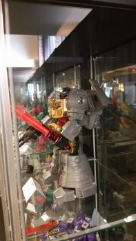 [Fanstoys] Produit Tiers - Dinobots - FT-04 Scoria, FT-05 Soar, FT-06 Sever, FT-07 Stomp, FT-08 Grinder - Page 9 HDE4GszT