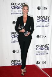 Katherine Heigl - 35th Annual People's Choice Awards, 7 января 2009 (58хHQ) 0a23XNk0