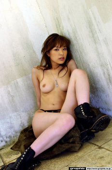 68 - Yua Aida
