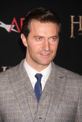 Richard Armitage - attends 'The Hobbit An Unexpected Journey' New York Premiere benefiting AFI at Ziegfeld Theater in New York - December 6, 2012 - 14xHQ KYHepDww