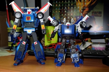 [Masterpiece] MP-25 Tracks/Le Sillage - Page 2 ICmjgIby