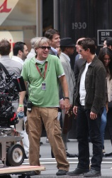 Tom Cruise - on the set of 'Oblivion' outside at the Empire State Building - June 12, 2012 - 376xHQ CBOPBT2p