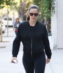 Jennifer Garner - grabbing coffee while wearing tights out in Santa Monica 11/7/16