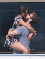 Nina Dobrev and Asustin Stowell enjoy the ocean off the cost the French Riviera (July 26) Iv7J5RxO