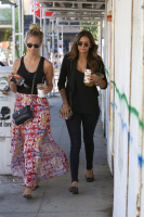 Nina Dobrev with Hilary at Alfred Coffee & Kitchen in West Hollywood (July 29) O1IfwRzT