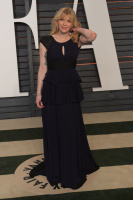 """Courtney Love """"2015 Vanity Fair Oscar Party hosted by Graydon Carter at Wallis Annenberg Center for the Performing Arts in Beverly Hills"""" (22.02.2015) 49x X8OphaGp"""
