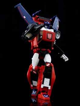 [Masterpiece] MP-25L LoudPedal (Rouge) + MP-26 Road Rage (Noir) ― aka Tracks/Le Sillage Diaclone - Page 2 RV729GZK