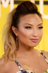 Jeannie Mai - 2015 MTV Video Music Awards @ Microsoft Theater in Los Angeles - 08/30/15