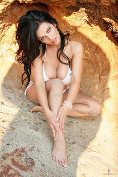 Дениз Милани, фото 4470. Denise Milani White Bikini (From Her Old Website), foto 4470