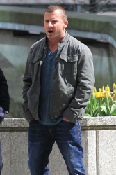 Dominic Purcell on the set of 'Bailout: The Age of Greed' - April 27, 2012 - 17xHQ LCkAuygY