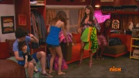 Victoria Justice ,Daniella Monet & Elizabeth Gillies - Victorious - S01E08 Stuck In An RV 1080i   HDMania