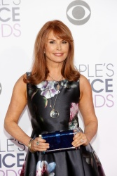 Roma Downey - 2016 People's Choice Awards @ Microsoft Theater in Los Angeles - 01/06/16