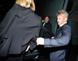 Sean Penn - Charlize Theron and Sean Penn - seen leaving Royal Festival Hall. London - February 16, 2015 (153xHQ) YUeCfPzv