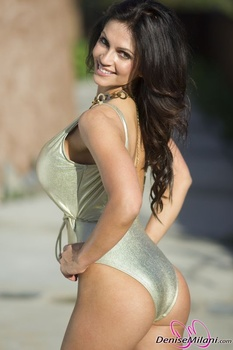 Дениз Милани, фото 4888. Denise Milani Gold One-Piece (Low Quality), foto 4888