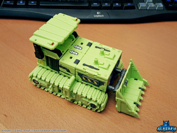 [Toyworld] Produit Tiers - Jouet TW-C Constructor aka Devastator/Dévastateur (Version vert G1 et jaune G2) - Page 5 4YxOsdw4