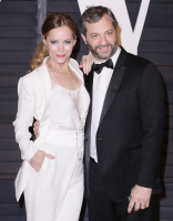 """Leslie Mann """"2015 Vanity Fair Oscar Party hosted by Graydon Carter at Wallis Annenberg Center for the Performing Arts in Beverly Hills"""" (22.02.2015) 126x  TbaEdQ58"""