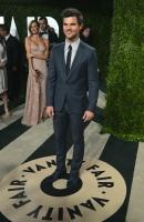 Taylor Lautner - Imagenes/Videos de Paparazzi / Estudio/ Eventos etc. - Página 38 AczzYsxl