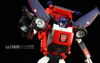 [Masterpiece] MP-25L LoudPedal (Rouge) + MP-26 Road Rage (Noir) ― aka Tracks/Le Sillage Diaclone - Page 2 YwiPUCoE