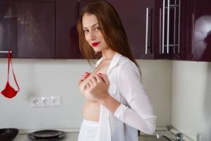 Isabella - In The Kitchen - [famegirls] ZzGU4VDN