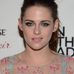 Kristen Stewart - Imagenes/Videos de Paparazzi / Estudio/ Eventos etc. - Página 31 AdpMLn7t