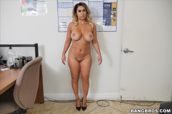 Riley Knight Nude