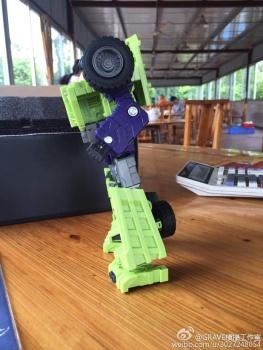 [Toyworld] Produit Tiers - Jouet TW-C Constructor aka Devastator/Dévastateur (Version vert G1 et jaune G2) - Page 7 ZbgYR40O