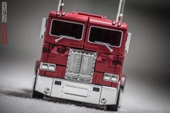 [Masterpiece] MP-10B | MP-10A | MP-10R | MP-10SG | MP-10K | MP-711 | MP-10G | MP-10 ASL ― Convoy (Optimus Prime/Optimus Primus) - Page 4 DawxPwLR