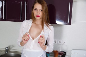Isabella - In The Kitchen - [famegirls] Mrqj3gJ9