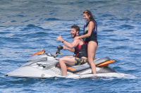 Nina Dobrev and Asustin Stowell enjoy the ocean off the cost the French Riviera (July 26) UXTbNGyn