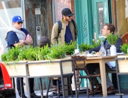 Jake Gyllenhaal & Jonah Hill & America Ferrera - Out And About In NYC 2013.04.30 - 37xHQ ZNsob0ll