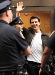 Tom Cruise - on the set of 'Oblivion' in New York City - June 13, 2012 - 52xHQ XeZ0krrU