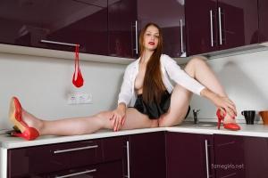 Isabella - In The Kitchen - [famegirls] Ap9Bh6SL